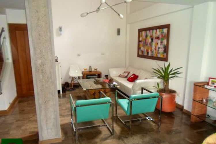 Portada Casa en El Poblado-El Tesoro, con 4 Habitaciones - 350 mt2.