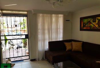 Casa en venta en Niquía de 3 hab. con Piscina...