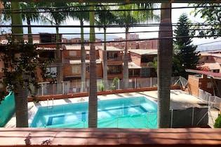 Casa en venta en Niquía con Piscina...