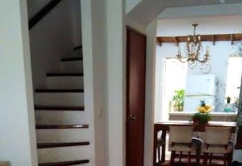 Casa en Loma del Indio, Poblado, 4 Habitaciones- 110m2.