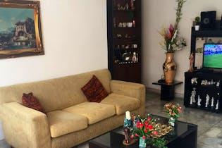 Casa en San Joaquín, Laureles, 3 Habitaciones-172m2.