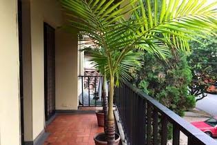 Casa en Simón Bolívar, La América, 3 Habitaciones- 140m2.