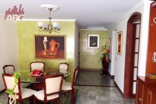 Apartamento en venta sector de La calleja, Bogotá con piso en madera laminada.