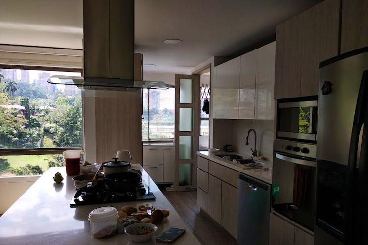 Foto 6 de Apartamento en El Poblado, Medellín