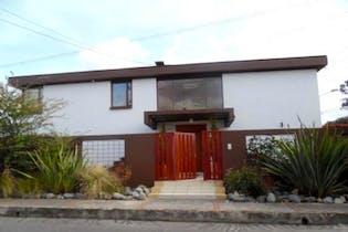 Casa en venta en Santa Ana Occidental de 397m² con Bbq...