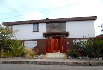 Casa en venta en Santa Ana, 397m²
