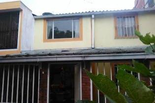 Casa en venta en Lago Timiza de 5 habitaciones