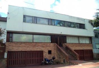 Casa en venta en Santa Ana de 321m²