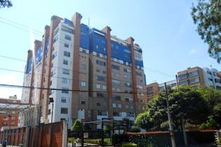 Apartamento en Los Andes-Bogotá con puerta de seguridad blindad y cancha de squash
