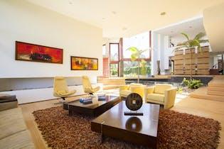 Casa en Colinas de Suba, Niza, Bogotá, 5 habitaciones- 1000m2.